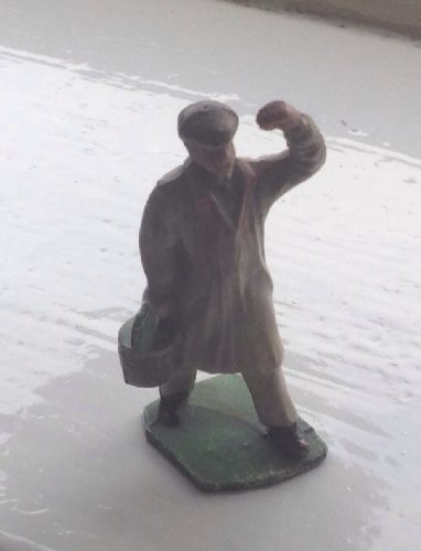 HALL'S DISTEMPER ORIGINAL LEAD PAINTER FIGURE WITH GREEN PAINT POT (1)